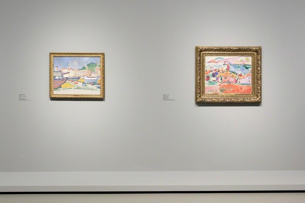 """View of Room 5 """"Landscapes/Constructions. Paul Cézanne, The Fauves, and The Cubists"""" From left to right : Derain, Matisse (more info on document attached) © Succession H. Matisse pour l'oeuvre de l'artiste © ADAGP, Paris 2016 pour l'oeuvre d'André Derain. Photo Fondation Louis Vuitton / Martin Argyroglo"""