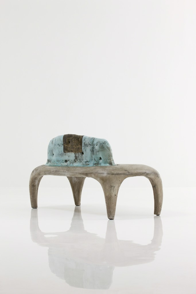 Concrete bench with round legs