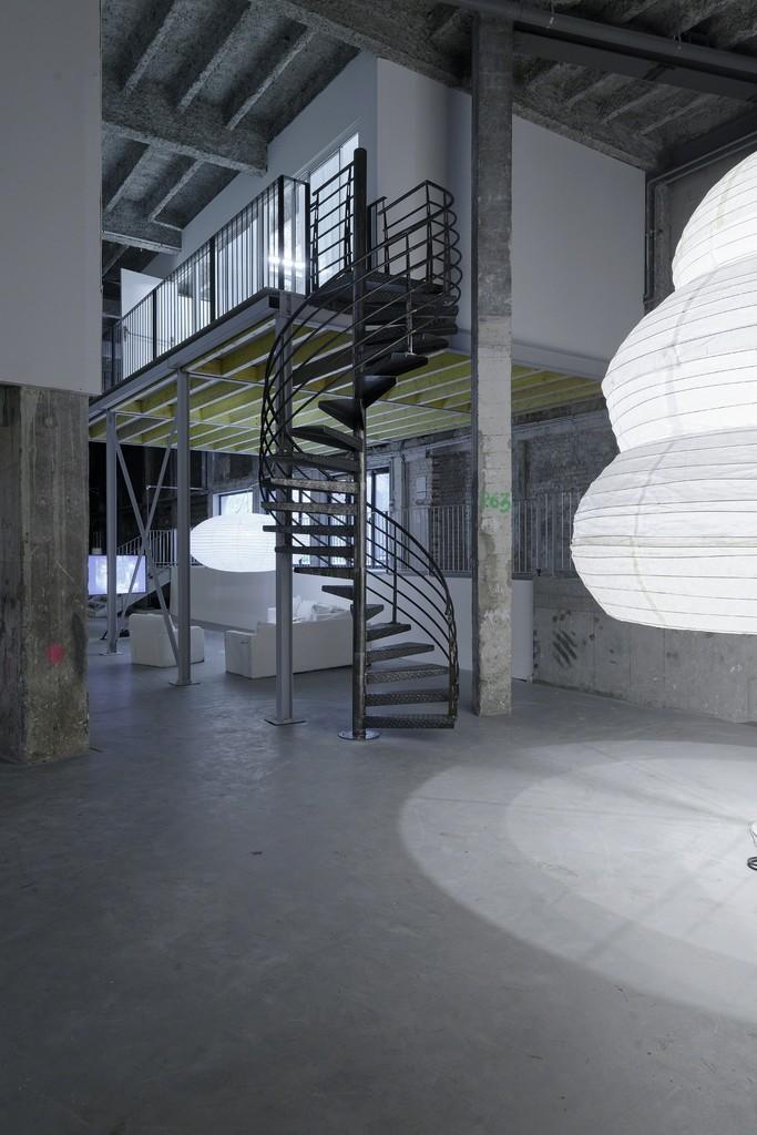 "Installation view of ""Melanie Matranga: 反复 [Fanfu]"" at Palais de Tokyo, Paris (2015-2016)"