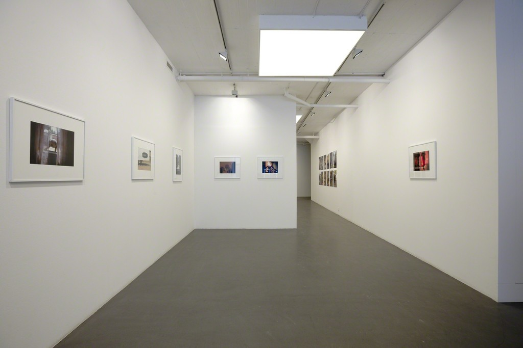 Mohamed Camara at Galleri Flach. Photographies from the series Chambres Maliennes and Certains Matins.