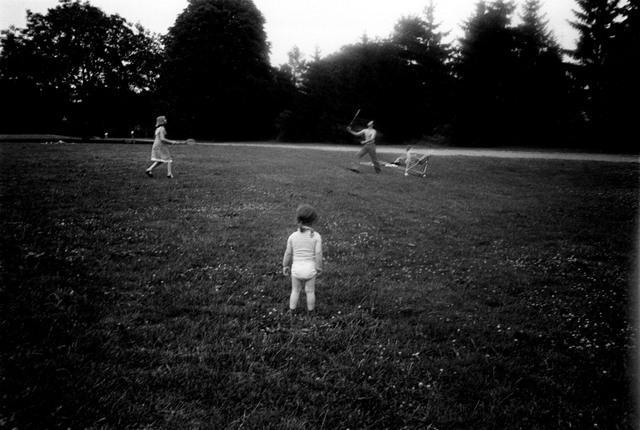 Erich Hartmann, 'dans le parc, en France', 1979, °CLAIR Galerie