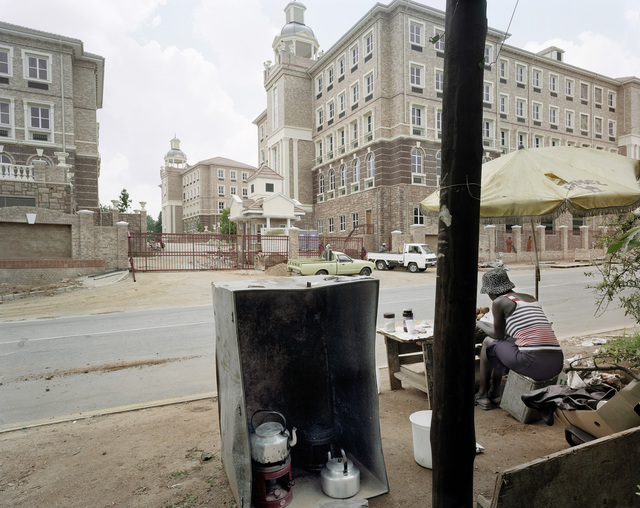 , 'Waiting to sell food to construction workers who are putting the finishing touches to 93 Grayston, Sandton, Johannesburg,' 2001, Goodman Gallery