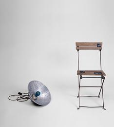 Lampe Bleu et Chaise