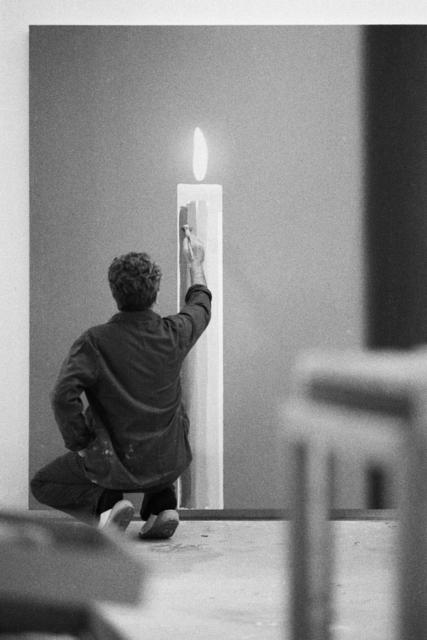 """, 'Gerhard Richter dans son atelier en train de réaliser """"Die Kerze"""" (La bougie), Cologne,' 1983, Musée d'Art Moderne de la Ville de Paris"""