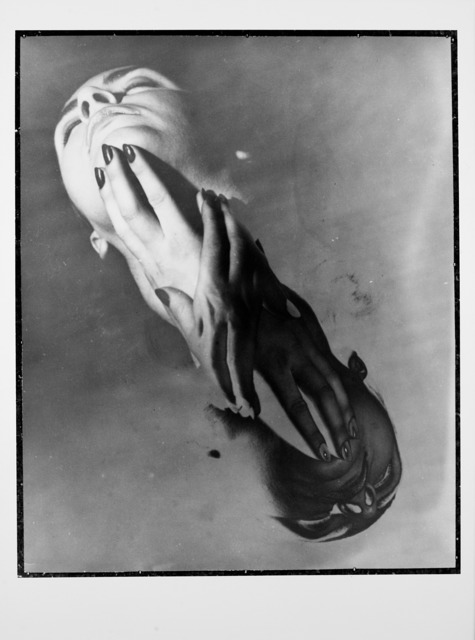 Erwin Blumenfeld, 'Hands and Face New York, 1957', 1957/1989, Il Ponte
