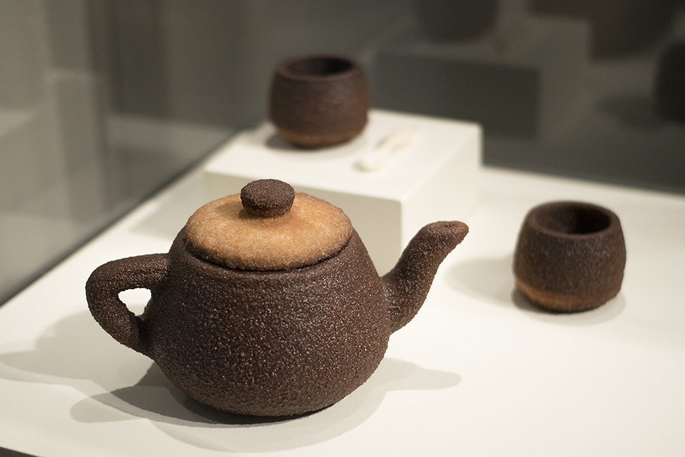 Virginia San Fratello and Ronald Rael's 'Newell/Utah Tea Set', Photo: Emilie Smith