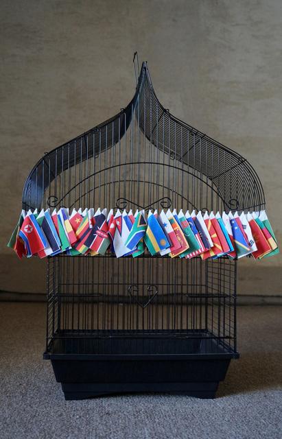 , 'Usos alternativos de una bandera,' 2015, RoFa Projects
