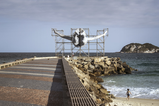, 'GIANTS, Cleuson LIMA DO ROSARIO from Brazil da Tijuca, from the pier, © Comité International Olympique, Rio de Janeiro,Brazil,' 2016, Simon Studer Art