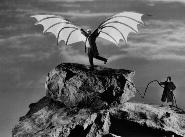 Gilbert Garcin, 'L'envol d'Icare (d'après Léonard de Vinci) - The flight of Icarus (after Leonardo da Vinci)', 2005, Photography, Gelatin silver print, Stephen Bulger Gallery