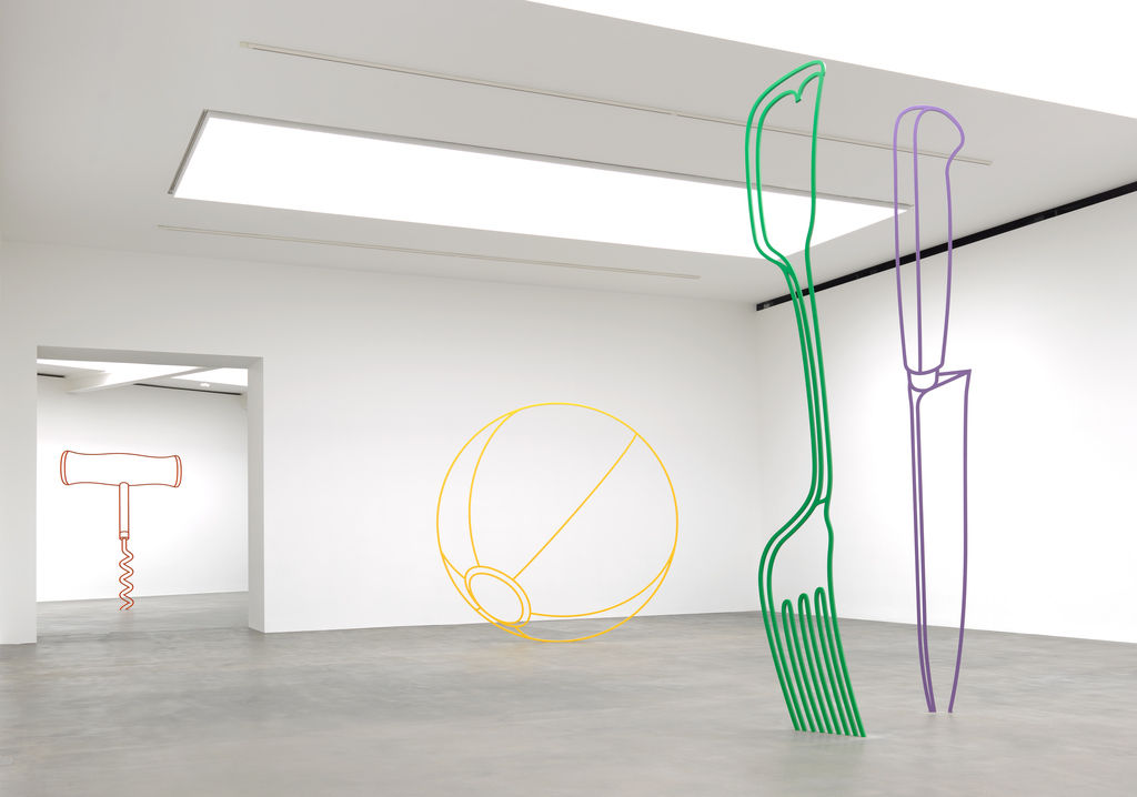 Artwork © Michael Craig-Martin. Photo: Mike Bruce. Courtesy the artist and Gagosian.