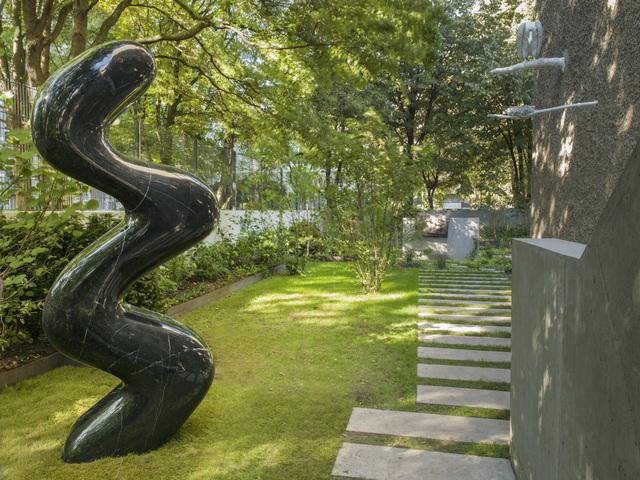 , 'The big marble Sneaky Snake,' 2016, KÖNIG GALERIE