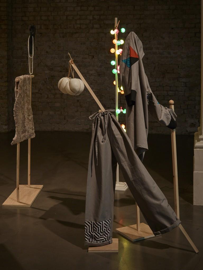 "Corin Sworn, ""Silent Sticks"", exhibition view at Whitechapel Gallery. Courtesy Whitechapel Gallery, Ph. Stephen White"