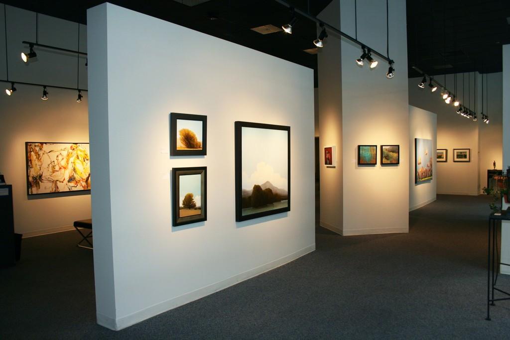 Artist(s) featured: Andrew LUI, Robert MARCHESSAULT, Diana ZASADNY