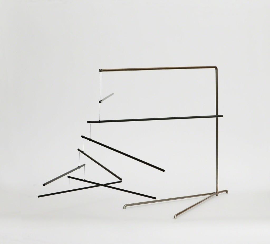 """""""Le Mobile n°8"""" / """"Mobile n°8"""" 2015 / Carbone, hêtre, lin, peinture acrylique / Carbon, bec, linon, acrylic paint / 60,5 x 125 x 98 cm / 23 3/4 x 49 1/4 x 38 1/2 inches / Unique / Courtesy Galerie Perrotin"""