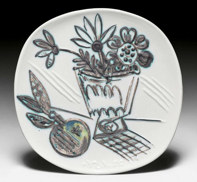Pablo Picasso, 'Bouquet à la pomme', 1956, Design/Decorative Art, Plate. Ceramic painted in brown, yellow, green and ivory. Decorated with oxidiced paraffin., Koller Auctions
