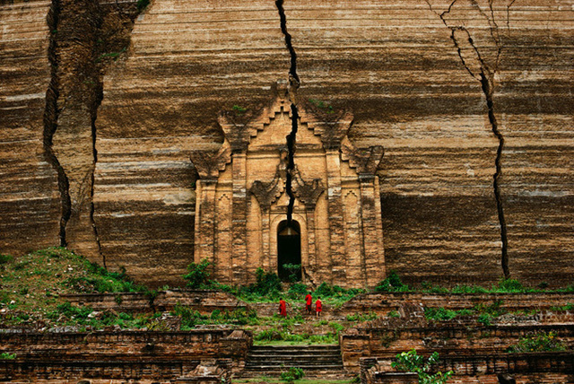 Steve McCurry, 'Mingun Pagoda, Burma,' 1994, Sundaram Tagore Gallery