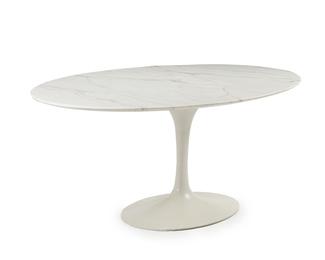 An Eero Saarinen for Knoll Tulip dining table