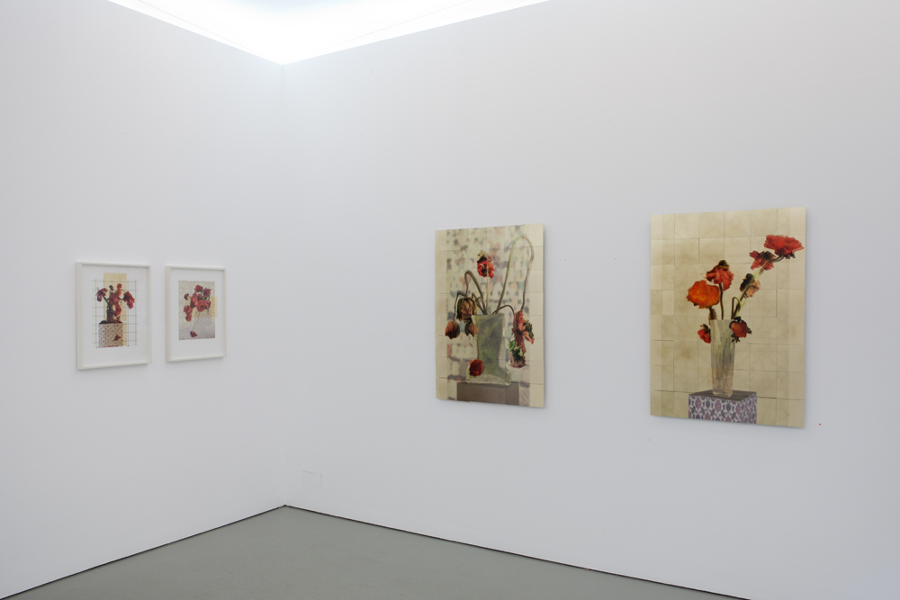 Exhibition view with 'Mohn I' and 'Mohn II (larger works)'; photo: Lukas Heibges