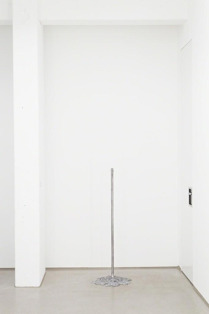 "installation view G2 Kunsthalle, Hildebrand Collection, ""Wischmop"" (2014, Aluminum) by Benjamin Bergmann, photo: Dotgain © the artists & G2 Kunsthalle, Leipzig."