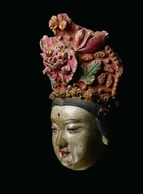, 'A Large Painted and Gilded Stucco Head of a Bodhisattva 元14世紀 鍍金灰泥彩繪菩薩首像,' China: Yuan Dynasty, 14th century, stand, Rasti Chinese Art