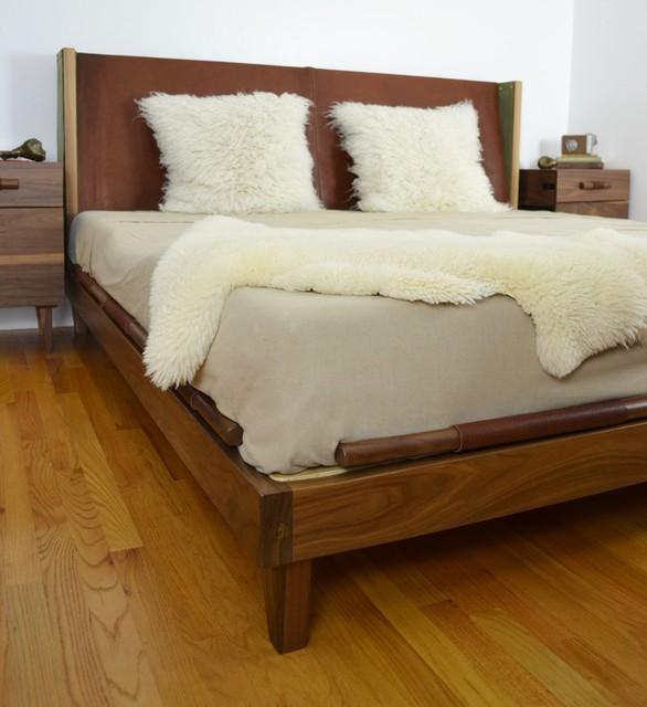 , 'Camp Bed, King, Walnut, Saddlery Leather,' , blankblank