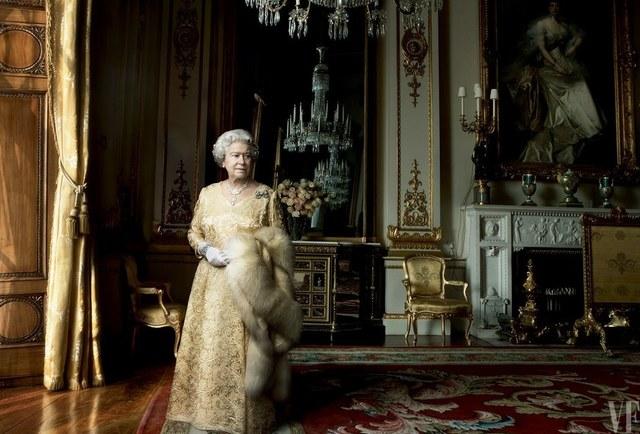 , 'Queen Elizabeth II, Buckingham Palace, London,' 2007, Bernheimer Fine Art