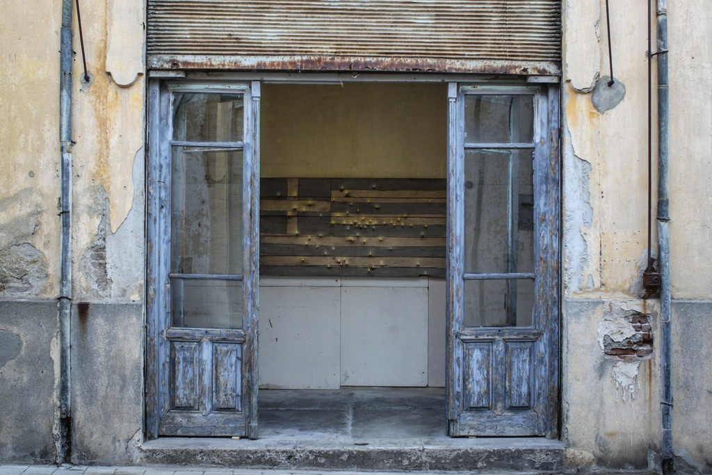 Christos Bokoros - Εθνική Μνήμη ΙΙ as seen while walking down Kleanthis Christophides street in the center of old Nicosia. Part of the exhibition ODOS ELEFTHERIAS. Photography: Antonis Minas