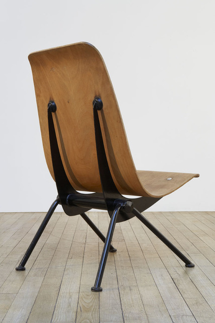 , ''Antony' chair,' 1954, Galerie Downtown - François Laffanour