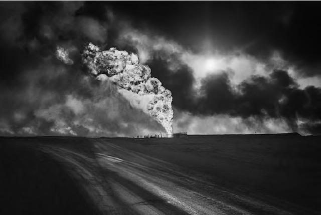 Sebastião Salgado, 'Greater Burhan Oil Field, Kuwait', 1991, Photography, Gelatin silver print, Atlas Gallery