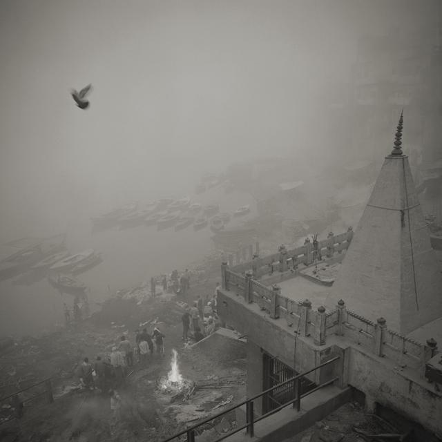 , 'Eternal Light 526 #12, Varanasi, India,' 2015, Howard Greenberg Gallery