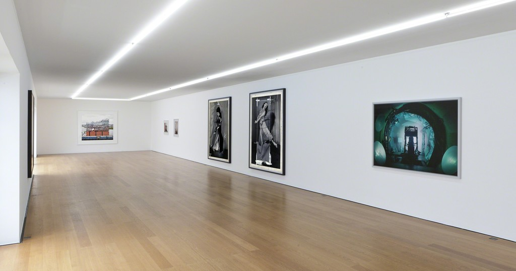 Installation view Candida Höfer, Thomas Struth, Thomas Ruff at Galerie Rüdiger Schöttle, 2017.