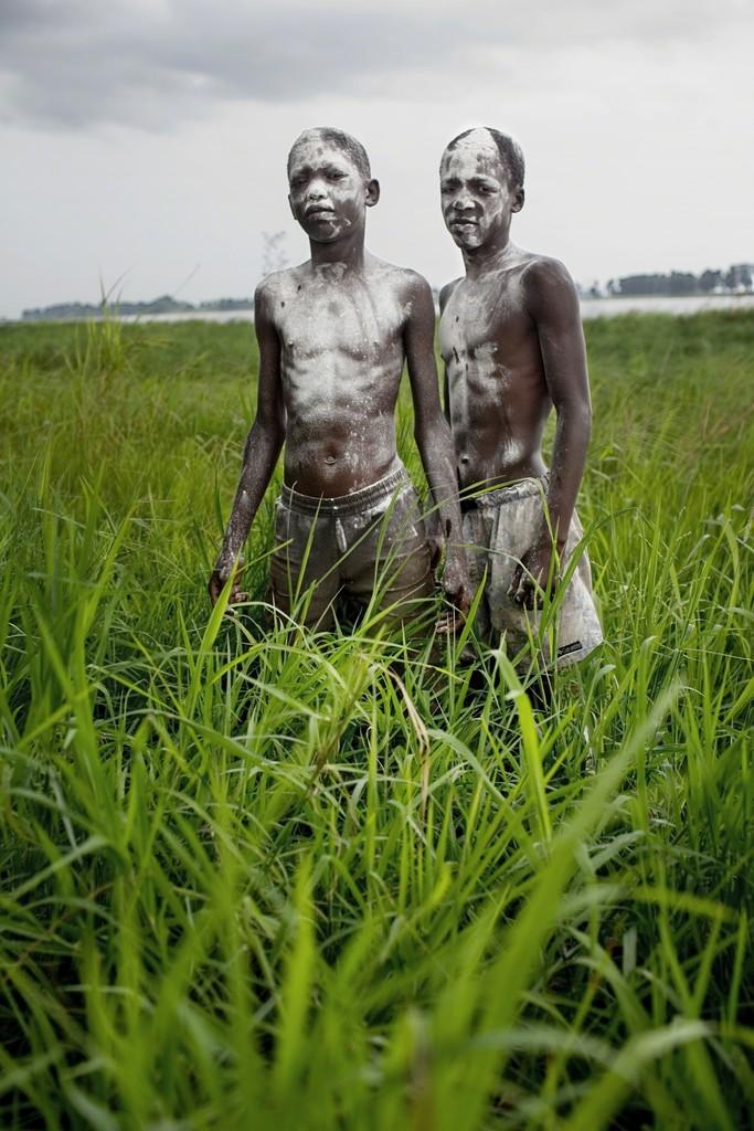 Children, the Congo river