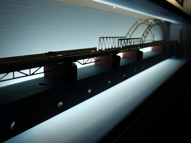 Miguel Palma, 'Compression Bridge', 2015, Sculpture, Clamp, miniature railway line, electrical system, PRESENÇA