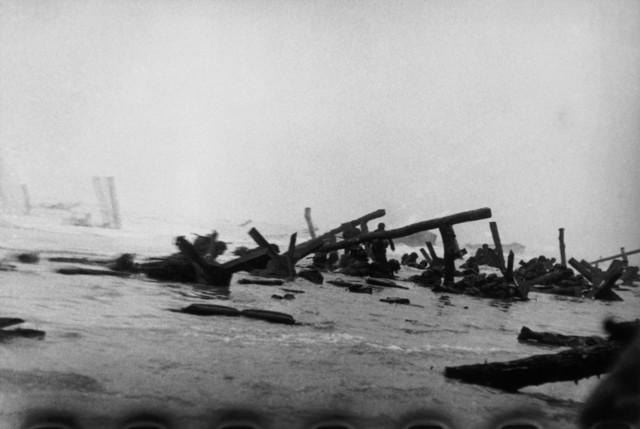 Robert Capa, 'US troops assault Omaha Beach during the D-Day landings. Normandy, France. ', 1944, Magnum Photos