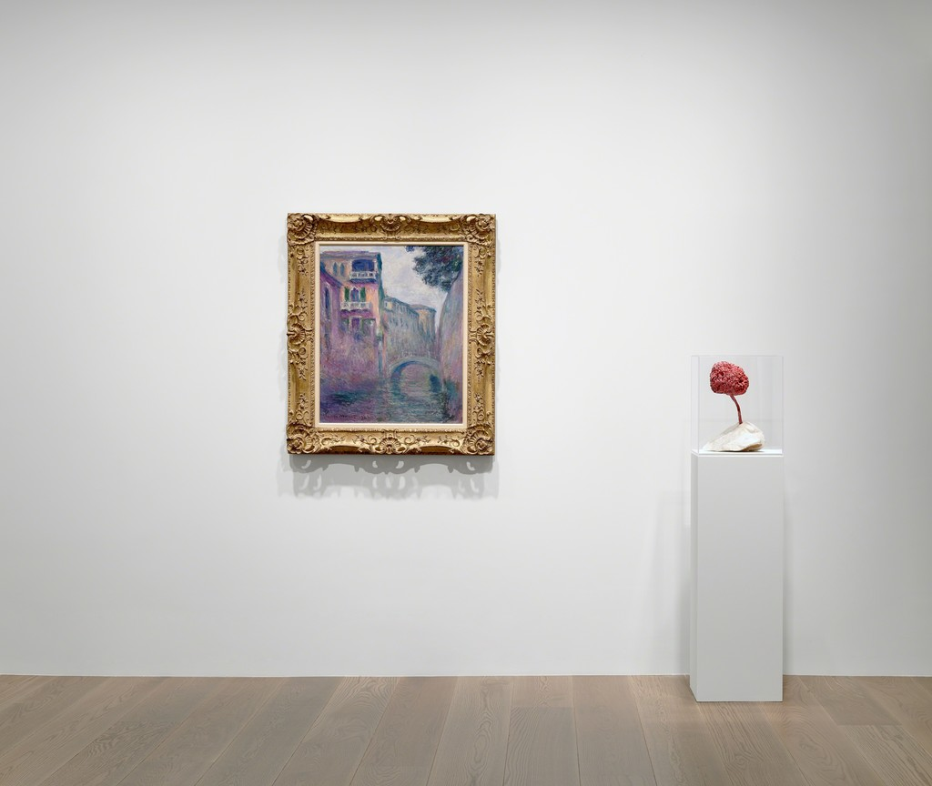 Installation view of Return to Nature (Zao Xue Han Zhang), Lévy Gorvy, Hong Kong, 2019. Photo: Kitmin Lee. Claude Monet; Yves Klein © 2019 Artists Rights Society (ARS), New York / ADAGP, Paris.