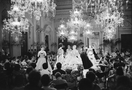 , 'Fashion show in Sala Bianca,' 1986, Victoria and Albert Museum (V&A)