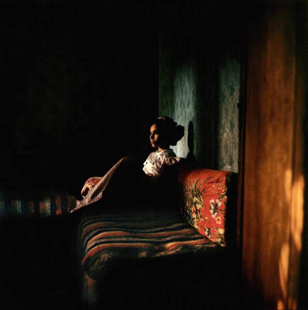 , 'Jeune fille dans un village près du Caire,' 1996, Galerie Peter Sillem