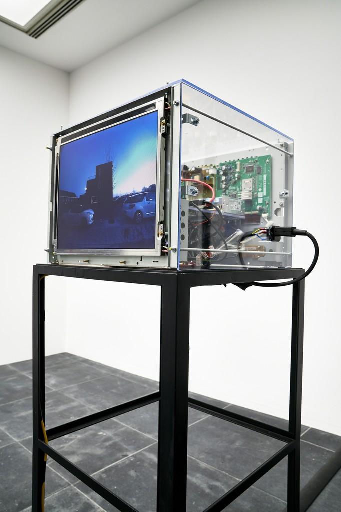 Dries Depoorter, Surveillance Paparazzi, 2018 Installation view Frankfurter Kunstverein, 2018, Photo: N. Miguletz, © Frankfurter Kunstverein, Courtesy of the artist