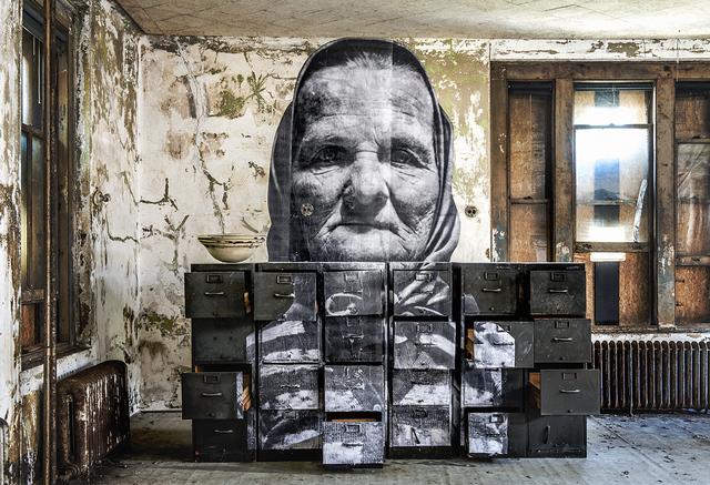 , 'Unframed, Czech Grand Mother in Ellis Island revu par JR, U.S.A., 2014,' 2014, Lazinc