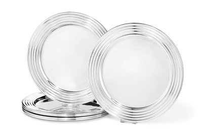 Six sterling silver plates with fluted rim. (6)