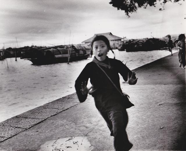 , 'Chine, fillette au quai de Canton,' 1957, Galerie Nathalie Obadia