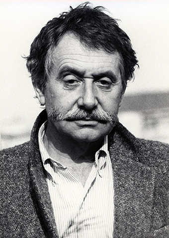 Ettore Sottsass, 1984, Photo: Barbara Radice, Courtesy: Studio Ettore Sottsass