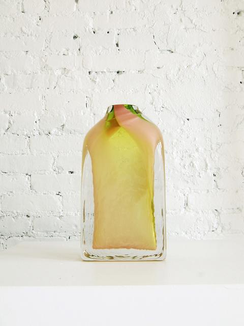 ", '""Blend Vase"",' 2017, Adorno"