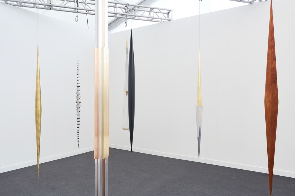 galeria nara roesler -- booth A26 -- frieze new york  2018-- photo Will Wang © courtesy of the artists and galeria nara roesler