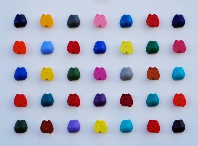 Isaac Kahn, '35 Apples', 2017, Corridor Contemporary