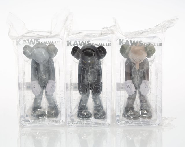 KAWS, 'Small Lie, set of three', 2017, Sculpture, Painted cast vinyl, Heritage Auctions