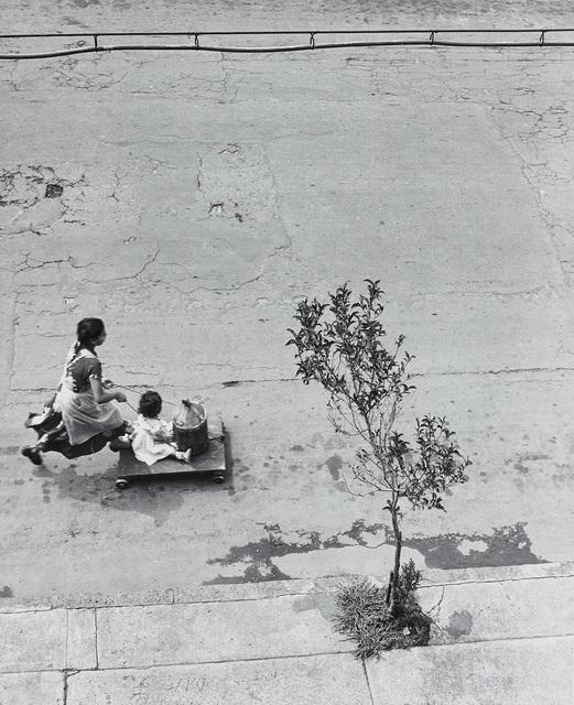 Manuel Álvarez Bravo, 'Un Cuarto Para Las Doce (A Quarter Past Twelve)', 1957, Phillips