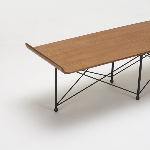 Franco Campo and Carlo Graffi, 'coffee table', c. 1955, Design/Decorative Art, Molded walnut plywood, enameled steel, rubber, Rago/Wright