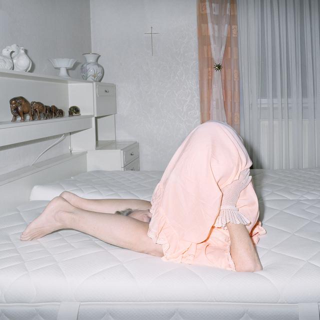 Nina Röder, 'mum in bed', 2017, Photography, C-print 2/5 + 1 ap, galerie burster