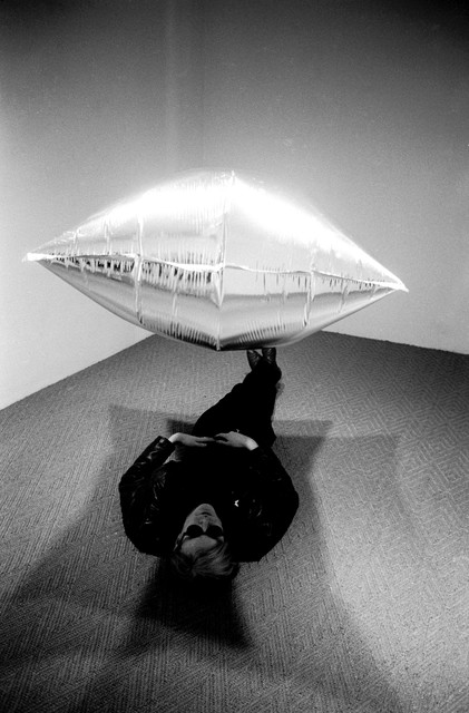 Steve Schapiro, 'Under Silver Cloud, at the opening at Ferus Gallery, Los Angeles ', 1965, Musée d'Art Moderne de la Ville de Paris